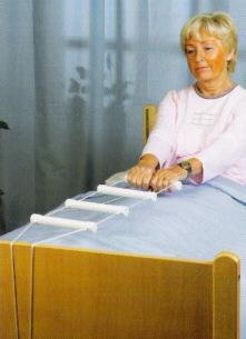 Bettleiter, Aufrichthilfe, Strickleiter